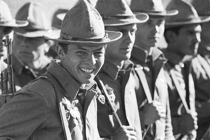 Солдаты советской армии в тропической форме