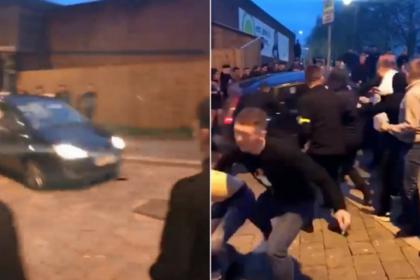 В Британии водитель легковушки трижды протаранил толпу