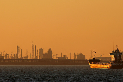 Европа иЯпония уменьшают импорт русской нефти