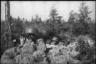Артиллеристы-разведчики ведут наблюдение за противником. Западный фронт, 1942.