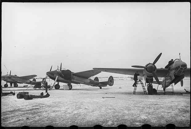 На Казанском самолетном заводе имени С.П. Горбунова, 1943.