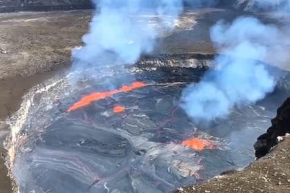Извержение вулкана на Гавайях сняли на видео