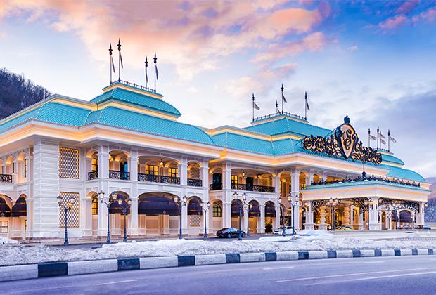 Здание казино отличает эклектичная роскошь.