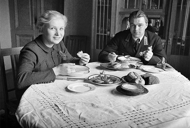 Валентина Серова в фильме «Сердца четырех» (1941)