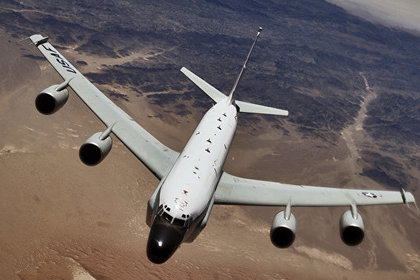 Самолеты США провели многочасовую разведку уберегов РФ