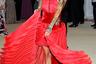 Зачем платью рукава, когда рукава набиты на руках? Австралийская актриса, модель и диджей Руби Роуз считает, что ни к чему.