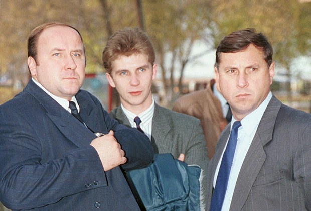Михаил Барсуков (справа) и Александр Коржаков (слева)