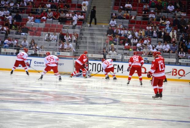 Гала-матч «Легенды хоккея» против сборной Ночной лиги