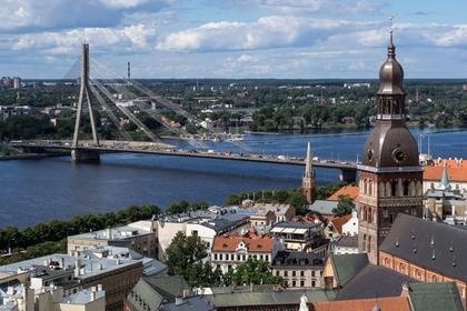 В Латвии 100-летний водитель устроил ДТП и попытался сбежать