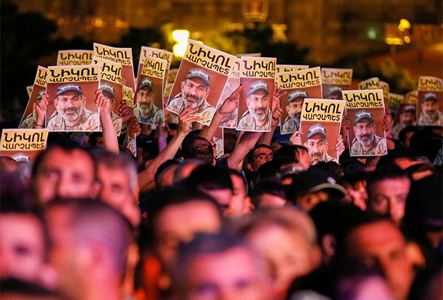 Протестующие на улицах Еревана