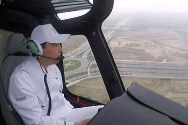 Президент Туркмении с вертолета полюбовался затопленной столицей