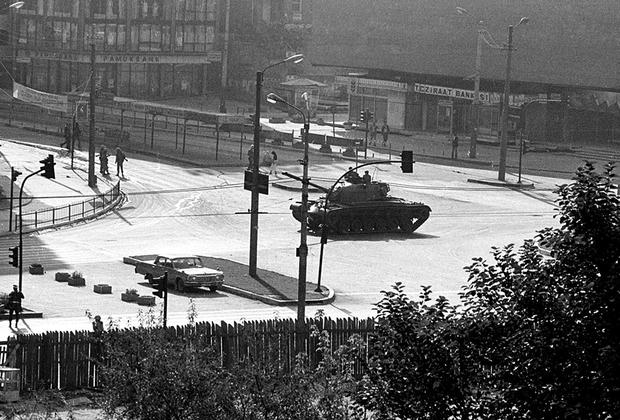 В истории Турецкой Республики произошло четыре военных переворота: в 1960-м, 1971-м, 1980-м и 1997-м.