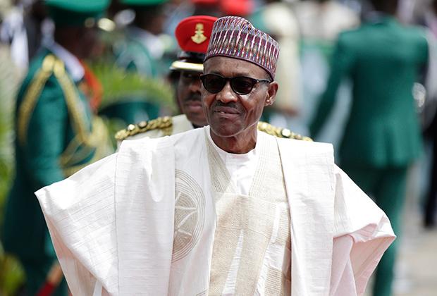 Нынешний президент Нигерии Моххаммаду Бухари всем своим видом демонстрирует принадлежность к северу Нигерии. В повседневной жизни он носит кафтан, а по праздникам —гран-бубу.