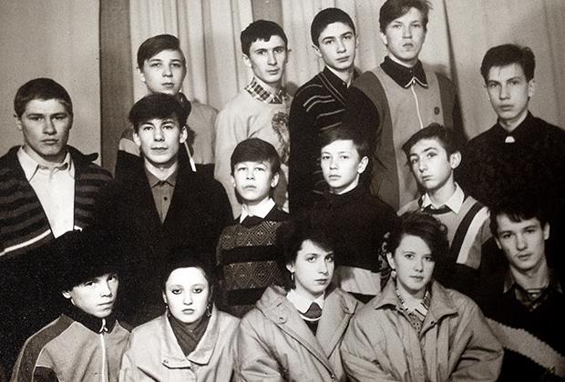 Одноклассники Роберта Гараева. Из одиннадцати человек восемь так или иначе были связаны с различными ОПГ