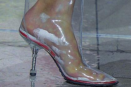 Популярную женскую обувь признали опасной для здоровья