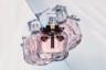 Изысканный женский шипр с аккордом бергамота, малины, черной смородины, белого жасмина, туберозы, белого пиона и флердоранжа заключен в изящный флакон, напоминающий ограненный кристалл.