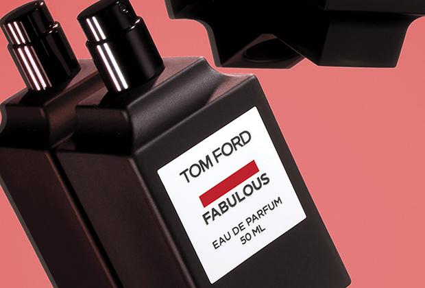 Новый аромат-унисекс базируется на нотах кожи, ириса, горького миндаля, бобов тонка, амбры, мускатного шалфея, корня фиалки, ванили и синтетической молекулы Cashmeran.