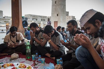 Работающих в Рамадан мусульман сочли опасными для европейцев