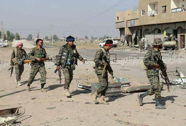 Афганские шииты во время боев против «Исламского государства» за Дейр-эз-Зор