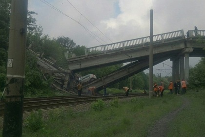 В Донбассе взорвали мост