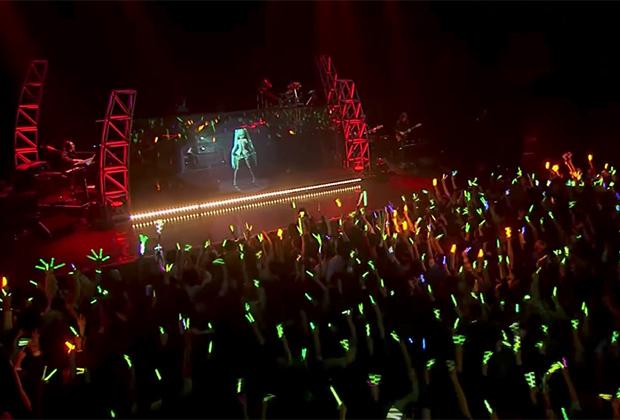 Хацуне Мику успешно выступает с концертами по всему миру. Помимо Азии вокалоид отправлялась в туры в Северную Америку.