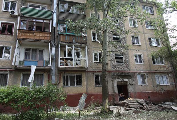 Жилой дом в Горловке, пострадавший в результате обстрела