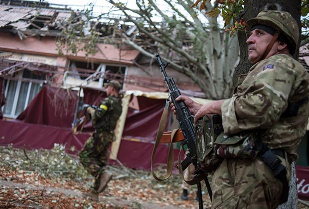 Бойцы украинского батальона «Донбасс» в пригороде Донецка