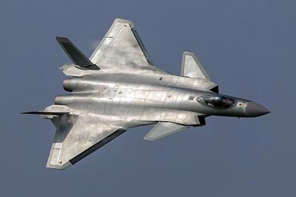 В США сравнили Су-57 и китайский J-20