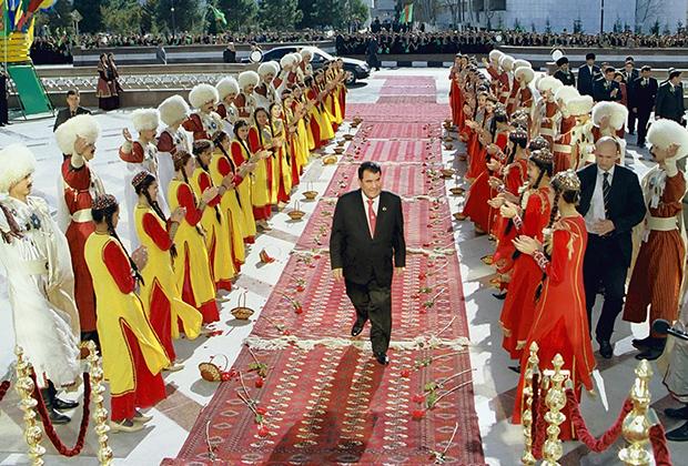 Глава государства во время национального праздника