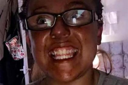 Дешевая косметика оставила белую девушку черной