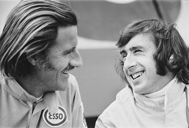 Рокеры? Пилоты! Хотя гонщиков в Грэме Хилле и Джеки Стюарте выдают только их комбинезоны.