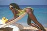 У карибских собственная гордость. Так выглядит «Алиса в Стране чудес» острова Сен-Бартелеми по версии Жака Золти, 1987 год.