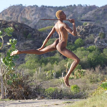 Иногда Золти все же покидал любимый остров ради съемок в экзотических местах. Например, этот снимок сделан в Африке в 2016 году.