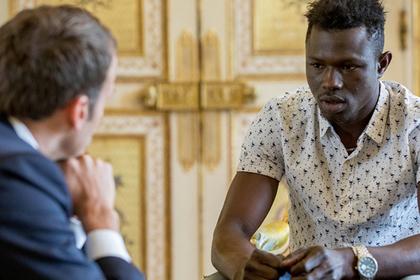 Быстро залезшему на пятый этаж малийцу дали гражданство Франции