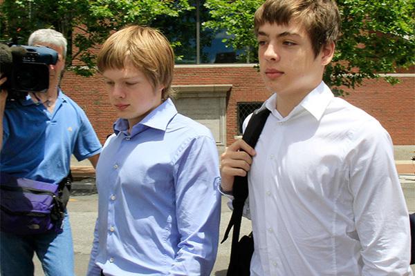 Алекс Вавилов (справа)