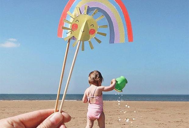 Даниелла с севера Англии решила придать снимку со своей дочерью Сиенной красок с помощью ярких шпажек из кексов.