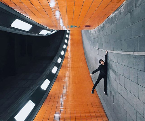 Яис Юсман из Сингапура на большинстве своих снимков борется с силой земного притяжения с помощью хитрых ракурсов и игры с перспективой. Воображение позволяет ему увидеть мир с непривычной точки зрения.