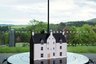В новой дистиллерии находится модель особняка Easter Elchies House —духовного дома The Macallan. Построенный в 1700 году, он является прекрасным примером высокогорного особняка, выполненного в стиле эпохи короля Якова.