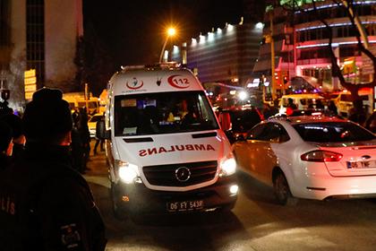 Живший три дня в аэропорту турист выпал из самолета и умер