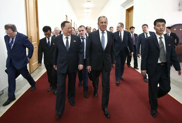 Лавров идет на переговоры со своим северокорейским коллегой