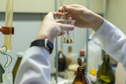 Ставившие химические опыты в иркутском ТЦ дети получили ожоги