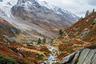 «Приехав в Швейцарию, я был жутко разочарован: не застал зеленых цветущих лугов, потому что опоздал примерно на три недели. Однако, увидев микс красных, желтых и оранжевых оттенков на осенних пастбищах на фоне заснеженных гор, я понял, что приехал не зря», — рассказал Йохан о поездке в швейцарские Альпы.