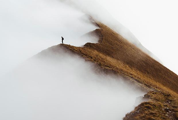 """Завершив «горное путешествие» по разным странам Европы, Йохан Лолос описал и показал самые прекрасные уголки континента в своей <a href=""""http://johanlolos.com/peaks-europe-5-month-photography-journey/"""" target=""""_blank"""">книге</a> Peaks of Europe."""
