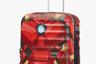 Чемодан на четырех колесиках удобен в любых поездках, а изображение брони Айронмена на его корпусе наполнит гордостью за свой багаж сердце любого юного фаната комиксов Marvel и фильма «Мстители».