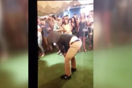 Агент ФБР сделал сальто на танцполе и выстрелил в зрителя
