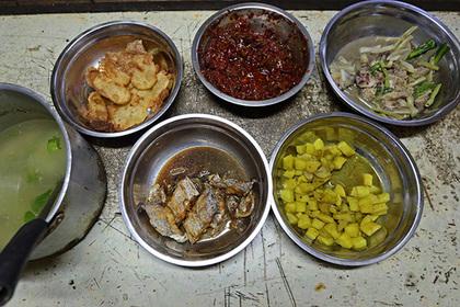 Индиец убил мать за отказ приготовить курицу карри