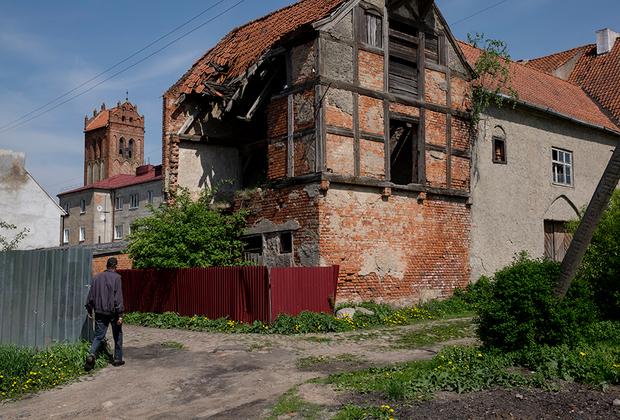 Мелкая «халтура» попадается время от времени. На заработки местные ездят в Калининград или в ближайший Правдинск.
