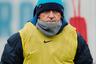 «Манчини —идеальная болонка для ношения клубного шарфа», —так прокомментировал назначение Роберто Манчини главным тренером «Зенита» Василий Уткин. Петербургские болельщики дали Роберто прозвище «манекен». И все из-за любви итальянца к шарфам, которые стали его фирменным стилем еще во время работы в «Манчестер Сити». Увы, в Санкт-Петербурге Манчини не добился успеха, да и климат явно не способствовал элегантному ношению шарфов.