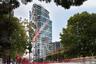 Среди лучших в Старом свете есть еще один лондонец — 31-этажный Canaletto. В башне, как и положено жилому комплексу такого уровня, есть собственные бассейн, спортзал, ресторан. Фасад здания формирует вертикальные сообщества, объединяя между собой разные этажи.