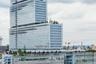 Еще один европеец — Tribunal de Paris — это парижский центр юстиции. Три прямоугольных объема «разбавлены» на 19 и 29 этажах висячими садами.